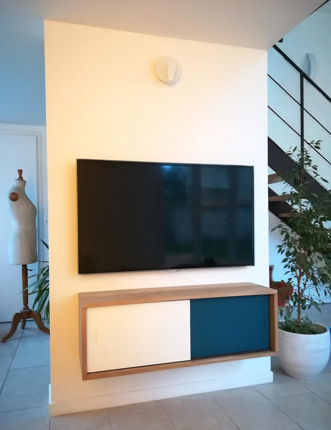 Meuble tv ch ne clair coulissant art et cr ation de meubles for Meuble tv coulissant